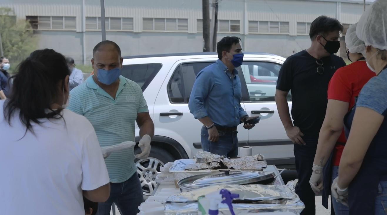 Poncho Robledo instala comedores gratuitos en Guadalupe por crisis del Covid-19