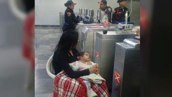 Abandona a su mujer y bebé afuera del metro para seguir de fiesta