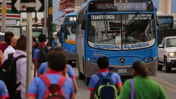 Propone Gobierno a Diputados nuevo plan para controlar el transporte en NL