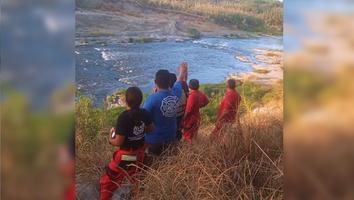 Muere menor al intentar salvar a su hermana en el río Pesquería