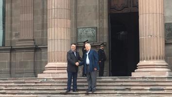Se reúne AMLO con Jaime Rodríguez en el Palacio de Gobierno