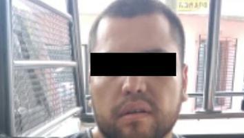 Cae un hombre con un arma de fuego en Santa Catarina