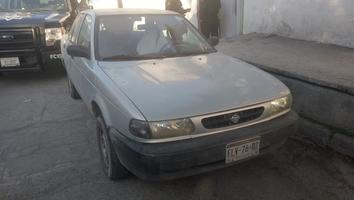 Localizan dos autos con reporte de robo al sur de Monterrey