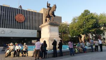 Reportan retrasos en inicio de registro para vacunación contra el Covid-19 en Monterrey