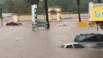 Fuertes lluvias dejan bajo el agua a Sinaloa