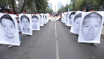 AMLO dice que EU envió expediente sobre caso Ayotzinapa