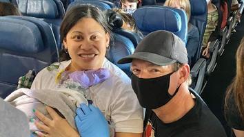 Mujer da a luz durante vuelo a Hawái; no sabía que estaba embarazada