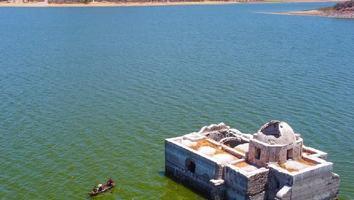 Iglesia hundida: el mítico templo del sigo XVIII que quedó descubierto por la sequía