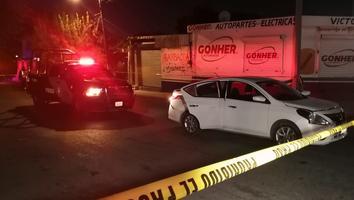 Caen dos tras una persecución en la avenida Aztlán
