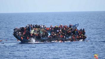 Lancha de inmigrantes en Sicilia.