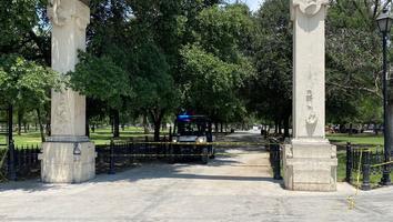 Restringen acceso en la Alameda Mariano Escobedo ante alza de contagiosCovid