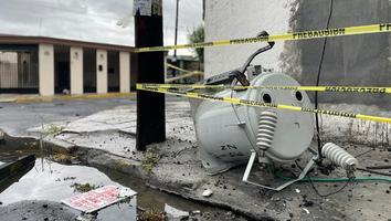 Cae transformador tras incendio de poste en la colonia Adolfo Prieto
