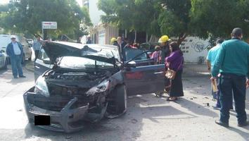 Accidente en el cruce de la avenida Matamoros y calle 24