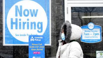 Aumentan solicitudes de ayuda por desempleo en EU
