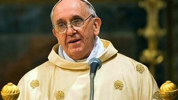 Papa francisco deja en libertad a supuesto culpable por fuga de papeles secretos