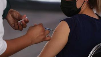 Abren fecha de vacunación de segundas y primeras dosis en 15 municipios de NL