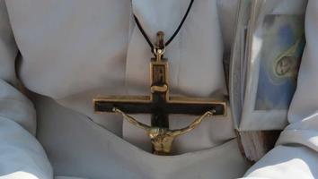 Declaran al sacerdote Aristeo Baca culpable de violación y abuso sexual contra menor