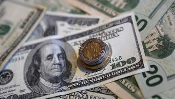 El peso mexicano se despreció este viernes