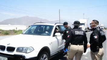 Refuerzan filtros sanitarios en Saltillo ante probable visita de regios por restricciones