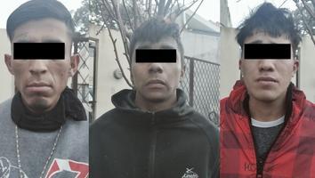 Detienen a tres hombres por posesión de droga en la colonia Valle de Santa Lucía