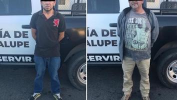 Detienen a dos hombres por circular en vehículo con reporte de robo en Guadalupe