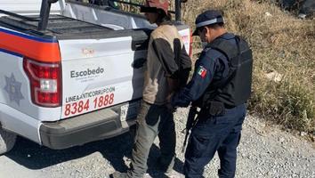 Hombre es detenido por presuntamente saquear un vagón de tren en la colonia Andrés Caballero