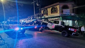 Choque entre patrullas dejacinco policías lesionados en San Pedro 400