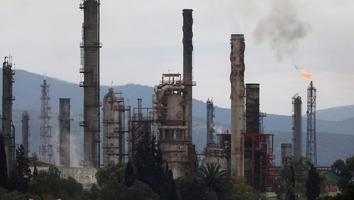 Frena juez aplicación de Ley de Hidrocarburos