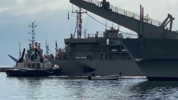 Sale desde el puerto de Veracruz, otro cargamento de insumos médicos y alimentos para Cuba