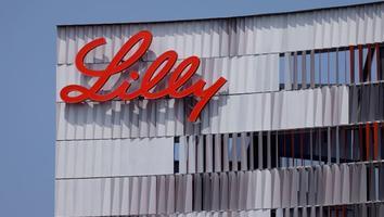 Medicamento de Eli Lilly para el Alzhéimer retrasa declive mental y funcional en prueba intermedia