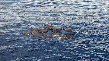 Narcos arrojan media tonelada de cocaína al mar en Chiapas