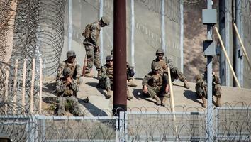 Llegan mil 300 soldados de EU a San Ysidro, California