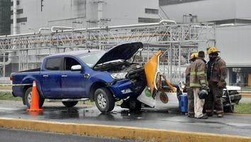 Muere pasajera de un taxi tras fuerte choque en Guadalupe