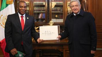AMLO recibe cartas credenciales de embajadores del Caribe y Medio Oriente