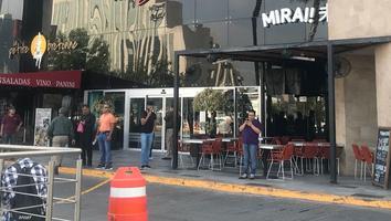 Desalojo de plaza comercial