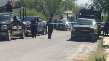 Se enfrentan civiles armados y federales en la Carretera a Laredo