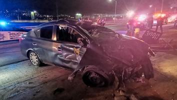 Conductor resulta lesionado tras volcarse en la colonia Santa María