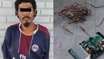 Detienen a joven al ser sorprendido robando el cobre del aire de un clima en Monterrey