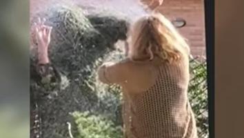 VIDEO: Joven le juega una broma pesada a su mamá; reacción se hace viral