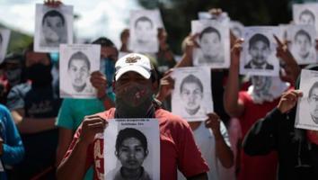 AMLO revela detención de una persona en EU por caso Ayotzinapa