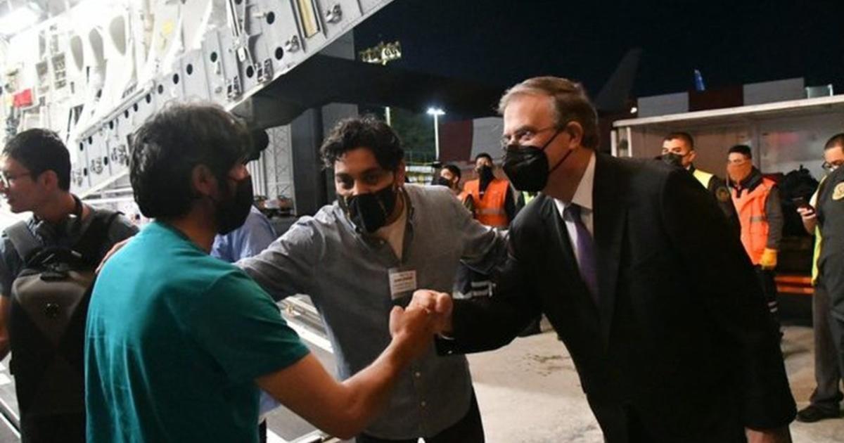 México recibe a periodistas de Afganistán con visa humanitaria