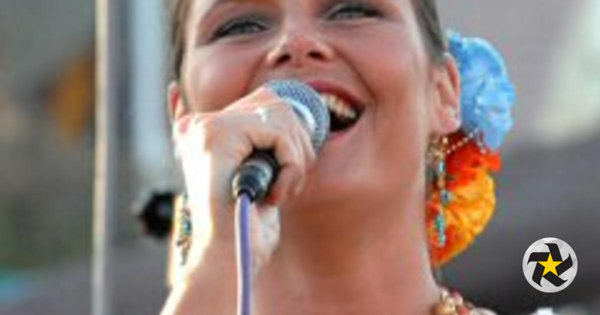 Cantante Carolina de Holanda rinde tributo europeo a José Alfredo Jiménez  ab768d3c533